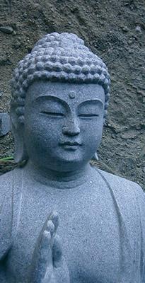 仏教の教えに則った石像づくり